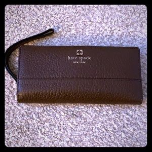 ♠️Authentic large Kate Spade wallet♠️